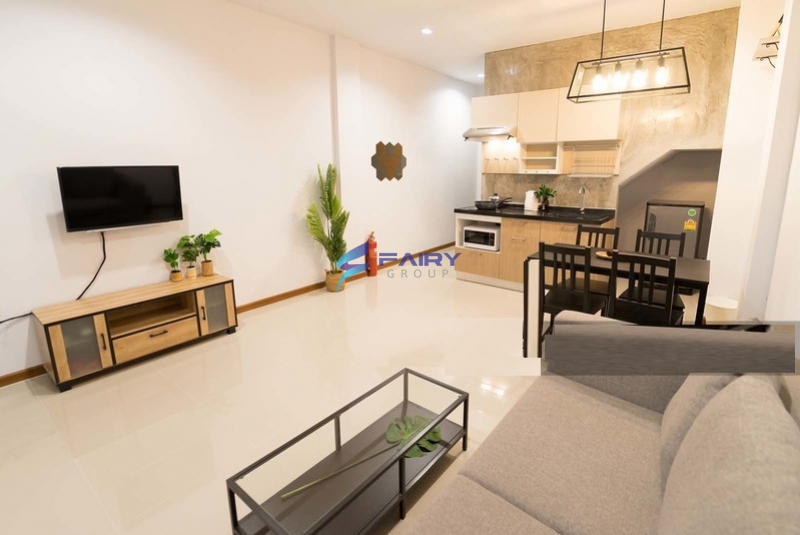 For rental-A tropical-loft style Private townhome with full facilities kitchen,laundry. 3.5 floor Haus35 village