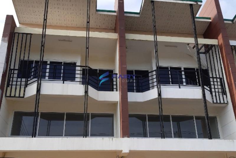 ขายอาคารพาณิชย์ 3 ชั้น 2 คูหา ติดถนนจันทบุรี-สระแก้ว อ.สอยดาว จ.จันทบุรี