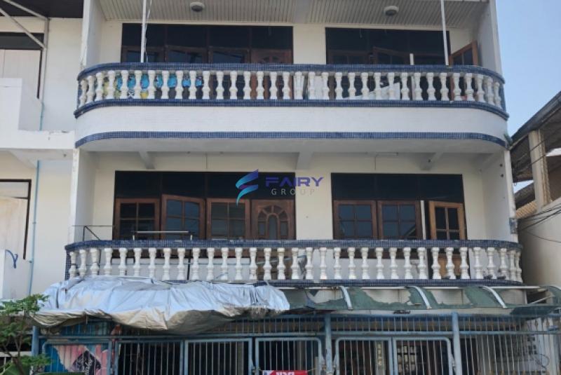 ขายบ้าน ทาวน์โฮม 3 ชั้น 2หลังติดกัน เนื้อที่ 31 ตร.ว พื้นที่ใช้สอย 350 ตร.ม ซ.วชิรธรรมสาธิต15 สุขุมวิท 101/1 ใกล้ BTS ปุณณวิถี อุดมสุข