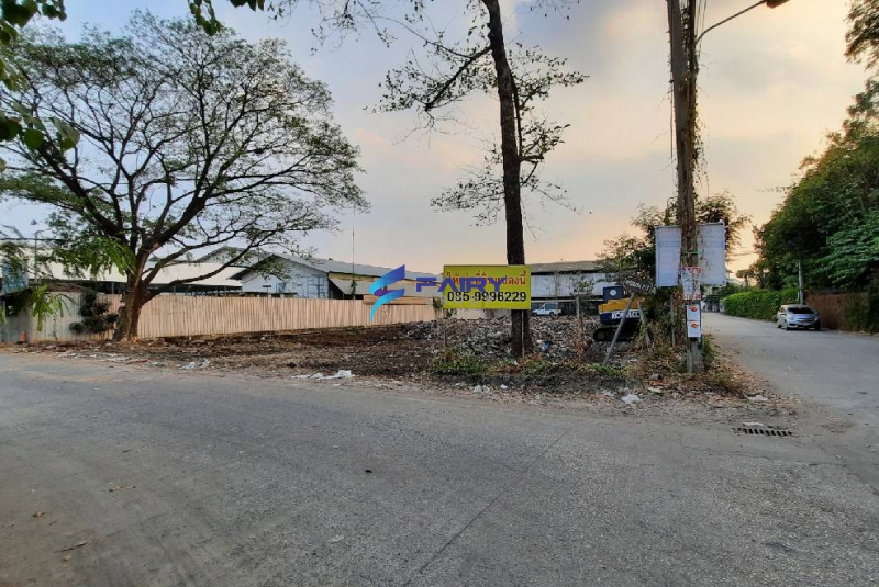 ให้เช่าที่ดินหัวมุม 199 ตร.ว ศรีสมาน ซ.2/2 ติดถนน 2 ด้าน หลังโรงเรียนนวมินทราชินูทิศ หอวัง นนทบุรี